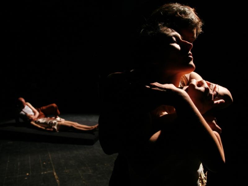 Compagnia-teatro-Nudo_Fame-di-carita